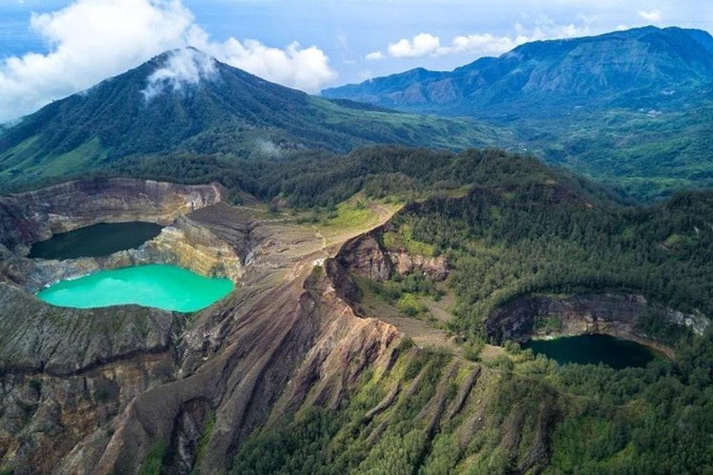 Kelimutu, Taman Nasional Terkecil di Indonesia dan Cerita 3 Danau Kawahnya
