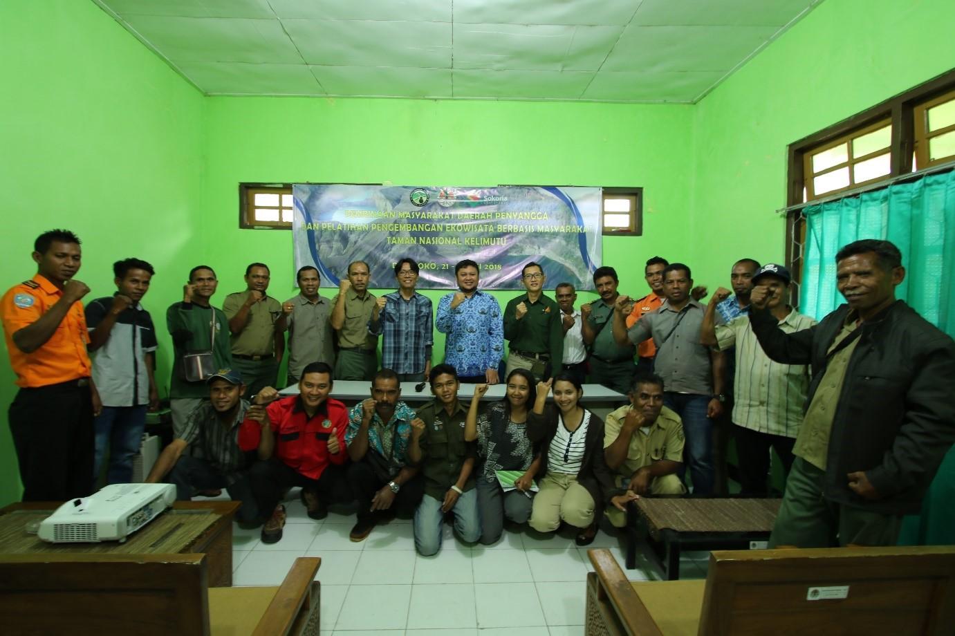Pelatihan Pengembangan Ekowisata Berbasis Masyarakat  di Taman Nasional Kelimutu