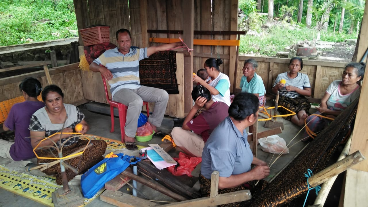 Pemberdayaan Masyarakat  di Desa Woloara, desa penyangga Taman Nasional Kelimutu