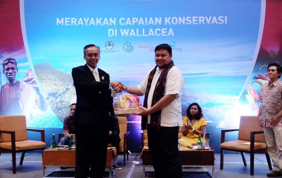 Balai Taman Nasional Kelimutu Mendapat Penghargaan BirdLife Indonesia Award <br/>.